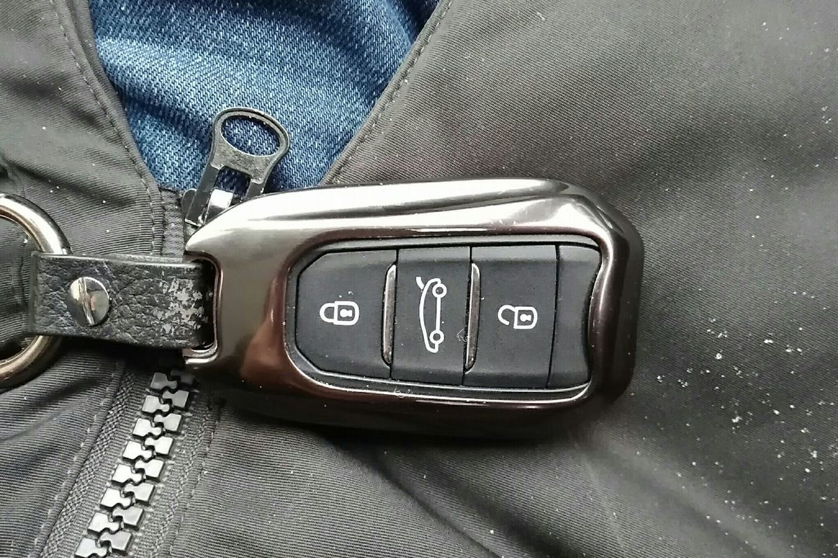 标致308s 2015款 1.6t 自动睿驰版