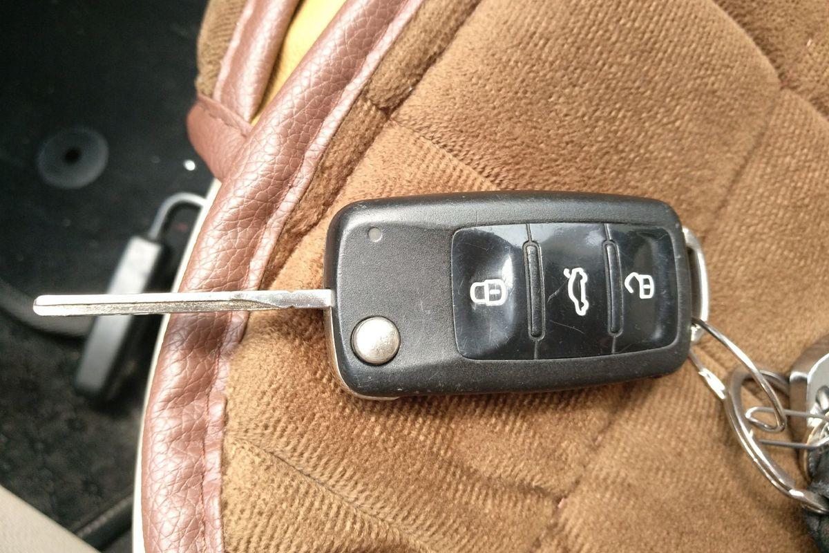 大众 朗逸 2013款 改款 1.4tsi 手动舒适版