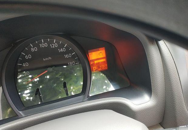 日产NV200 2014款 1.6L 自动 7座 豪华型 (国Ⅳ)