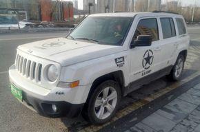 Jeep自由客 2014款 2.0L 运动版(进口)