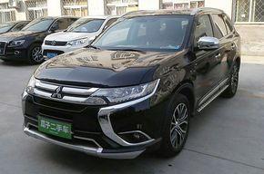 三菱欧蓝德 2016款 2.4L 四驱精英版 5座(进口)