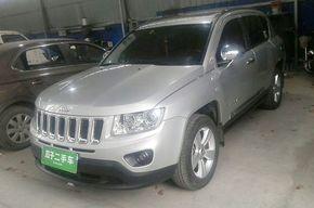 Jeep指南者 2011款 2.0L 两驱运动版(进口)