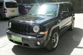 Jeep自由客 2012款 2.4 豪华版(进口)