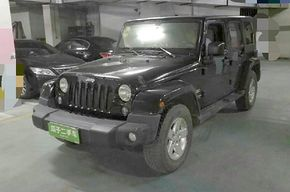 Jeep牧马人 2015款 2.8TD 四门舒享版 Sahara(进口)