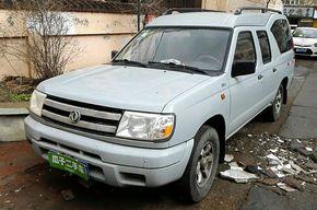东风锐骐多功能车 2010款 2.4L汽油两驱标准型ZG24