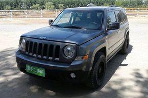 Jeep自由客 2012款 2.4 运动版(进口)