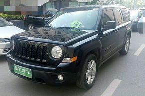 Jeep自由客 2013款 2.4 豪华导航版(进口)