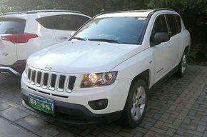 Jeep指南者 2015款 2.0L 两驱运动版(进口)