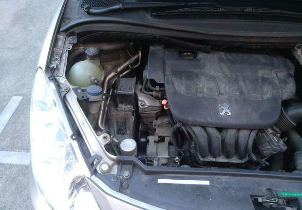 精真估提供二手车307三厢 2010款 2.0L 自动 两厢运动版