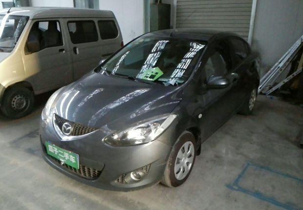 Mazda2三厢