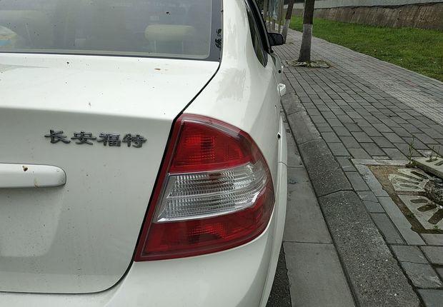 福特福克斯 2013款 1.8L 自动 4门5座三厢车 经典基本型 (国Ⅳ)