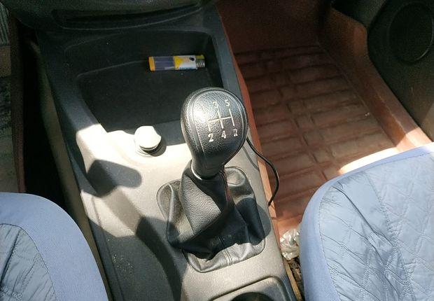 五菱宏光 S 2015款 1.5L 手动 5座 基本型