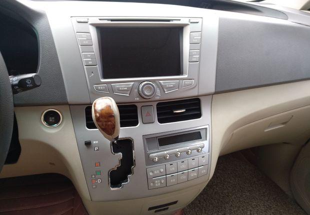 比亚迪M6 2015款 2.4L 自动 7座 尊贵型