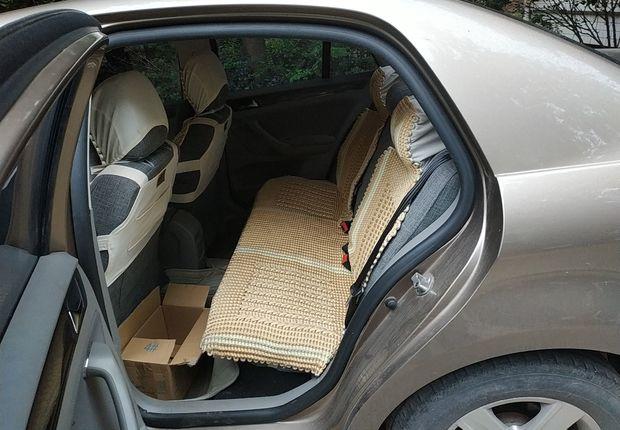 大众宝来 2014款 1.6L 手动 4门5座三厢车 时尚型 (国Ⅳ)