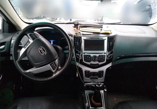 比亚迪速锐 2014款 1.5L 手动 豪华型 (国Ⅳ)