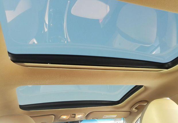 现代索纳塔 2011款 2.0L 自动 LUX至尊版 (国Ⅳ)