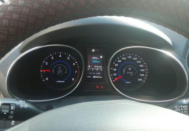 现代胜达 2013款 2.4L 自动 四驱 改款智能型 (国Ⅳ)