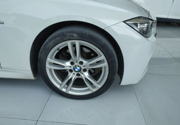 宝马3系 320i 2016款 2.0T 自动 汽油 M运动型 (国Ⅴ)