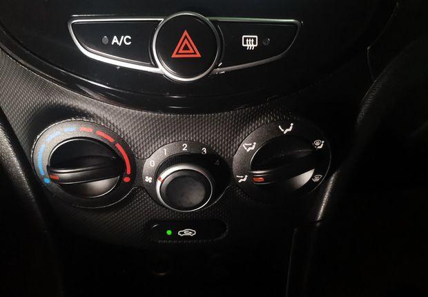 现代瑞奕 2014款 1.4L 自动 领先型GLX (国Ⅳ)