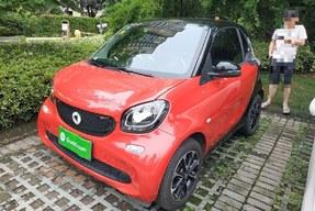 Smart smart fortwo 2015款 1.0L 52千瓦硬顶激情版